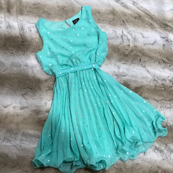 b3107bc89 lilt Dresses | Semi Sheer Mint Silver Pleated Party Dress | Poshmark